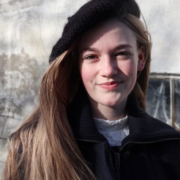 Vintereventyr Baskerhue strikkeopskrift